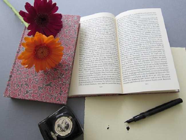Libro aperto fiore