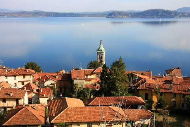 belgirate foto paese lago vista