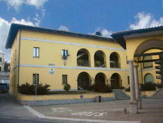 oleggio castello municipio