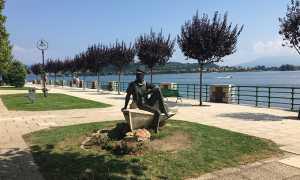 arona lungo lago statua