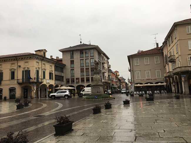 borgomanero piazza