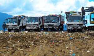 discarica camion rifiuti