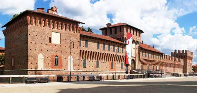 galliate castello